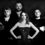 Nitrianski symfonici SYMFOBIA prezentujú debutový klip: Speváčku dobehlo jej alter ego!